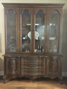 Vintage China Cabinet Lighted Hutch Bookcase Fretwork Queen Anne Cabriole Legs