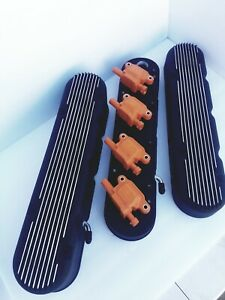 2 pc Ls Finned Valve Covers Black Finish