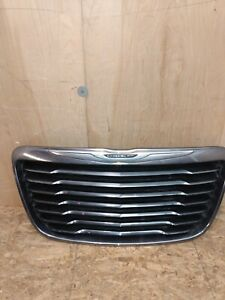 2011 2012 2013 2014 Chrysler 300 Front Grille Oem Used
