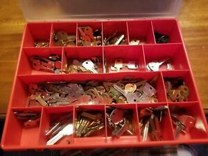 Big Lot Nos Uncut Key Blanks Locksmith Estate Drawer 1 Full New Old Stock Keys