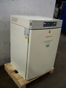 9695 Thermo Forma 3110 Co2 Water Jacketed Incubator Series Ii I d 19 x19 x25