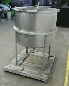 Leader Iron Works 600 Gal Stainless Steel Single Wall Tank