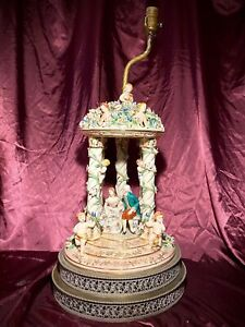 Dresden Lamp With Courting Couple In Gazebo Putti