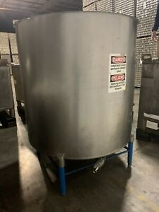 600 Gallon Stainless Steel Tank With Mixer