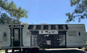 Turnkey Business 2006 27 Mobile Beauty Salon Trailer With Bathroom For Sale