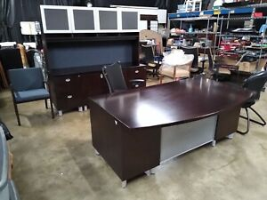 Gunlocke Executive Desk Set