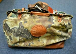 Tree And Pole Climbing Gear With Klein Woodland Bag And Buckingham Belt