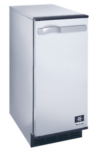 Manitowoc Sm 50a 14 3 4 Air Cooled Undercounter Octagonal Cube Ice Machine With