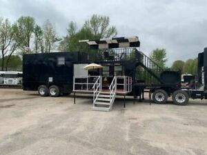 2017 53 18 wheeler Custom Bbq Cooking Rig With Patio Living Quarters For Sale