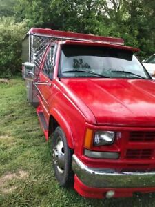 Chevy Cheyenne 3500 Lunch Serving Canteen Style Food Truck For Sale In Tenness