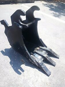 New 12 John Deere 35 Zts With Zts Coupler Excavator Bucket