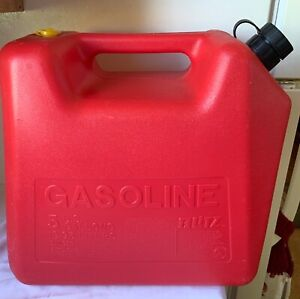 Vintage Old Type blitz 5 Gallon Rear Vented Red Poly Gas Can Model 11830