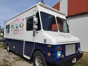 Fully loaded Step Van Kitchen Food Truck Used Mobile Kitchen For Sale In Ohio