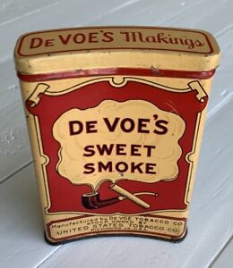 Vintage DE VOE'S SWEET SMOKE Concave/Curved Tobacco Pocket Tin Outstanding