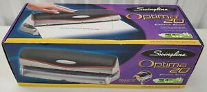 Swingline Optima 20 Electric battery Three Hole Punch 74520