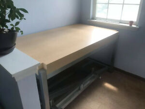 Aluminum Retail Dining Table Only 2 Available L60 X H29 5 X W36