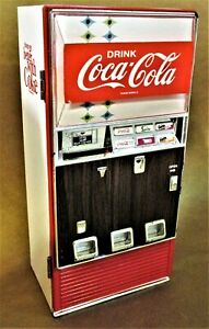 Vtg. 1996 Diecast Battery-Operated Toy Coca-Cola Vending Machine Makes Noises