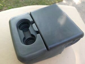 99 00 01 02 03 04 10 Ford F250 F350 Super Duty Center Jump Seat Console Armrest