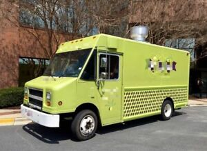 Used Diesel Freightliner Food Truck With Commercial Grade Kitchen Equipment For