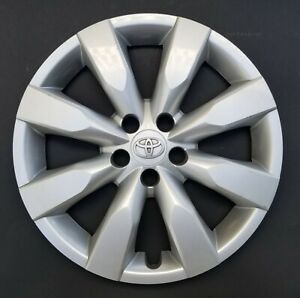 One Wheel Cover Hubcap 2014 2018 Toyota Corolla 16 Silver 61172 Used