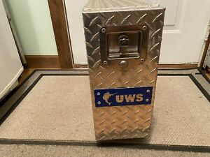 Uws 18in Drawer Truck Tool Box Bright Aluminum Ds18 Used In Very Good Condition