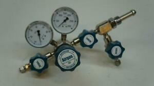 New Airgas Two Stage Brass 0 50 Psi Analytical Cylinder Regulator Y91 c0229 R27