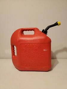 Vintage Old Type blitz 5 Gallon Self Vented Red Poly Gas Can