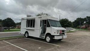 Mt45 Freightliner Diesel Food Truck With 2018 Commercial Kitchen Build out For S