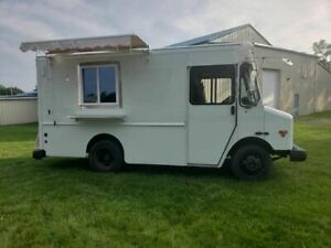 2003 21 Workhorse P42 Commercial Mobile Kitchen Food Truck For Sale In Pennsy