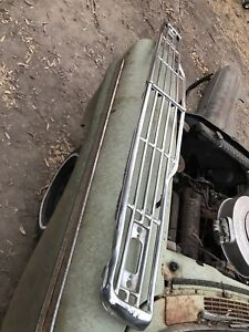 Original 1957 57 Ford Fairlane Grill Complete With Center Bar Brackets Nice
