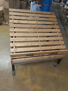 Commercial Wooden Bakery produce Display Rack Mobile Cms
