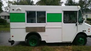 2002 18 Lightly Used Chevrolet Workhorse P30 Mobile Kitchen Food Truck For Sa