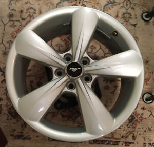 Ford Mustang Gt 2013 2014 Silver 18 Oem Factory Wheel Rim Alloy 18 x8