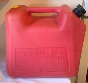 Vintage Blitz 5 Gallon Gas Can Old Type Rear Vented Red Poly Model 11830