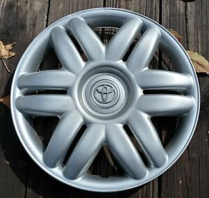 Toyota Camry Hubcap 2000 2001 Fits 15 Inch Wheels 61104 Repainted