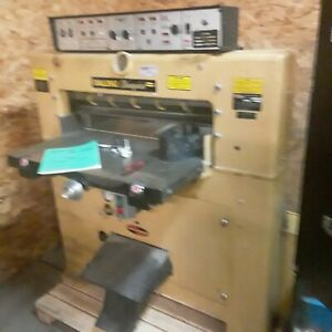 Challenge Champion Hydraulic Paper Cutter Size 305