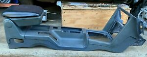 87 93 Ford Mustang Center Console Ash Tray Center Arm Rest 5 0 302 Foxbody