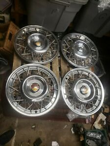 1954 Oldsmobile Custom Cruiser Starfire Fastback Wire Hubcaps 54 Olds Wheels