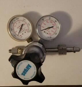 Airgas Y11 n115h Specialty Gas Regulator Max Inlet 3000 Psi