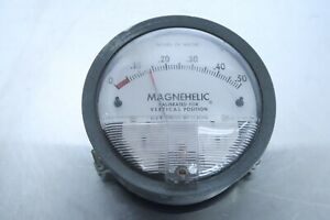 Dwyer Magnehelic Pressure Gauge 0 0 5 Inches Of Water