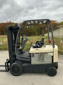 Crown Fc4020 50 5000lb Forklift Electric 4 Stage Mast Lift Truck Tow Hilo Fork