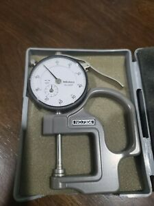 Mitutoyo No 7304 Flat Anvil Dial Thickness Gauge 2416f