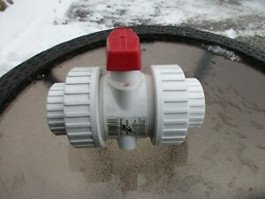 American Valve Pvc Sch 40 1 1 2 in Socket Pvc Ball Valve Double Union