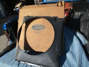 Ford Nos 1973 1974 1975 1976 Ford Truck Fan Shroud 390 With Air D3tz 8146 d
