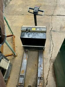 Crown Wp 3035 45 4500lb Electric Pallet Jack Ready To Go To Work