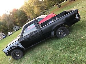 Toyota Pick Up Truck 1995 Customize Your Way Runs Good New Parts Needs New Owner