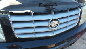 2002 2006 Cadillac Escalade Front Grille W black Surround Oem W 90 Day Warranty
