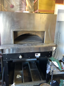 Woodstone Radiant Gas fired Pizza Oven Ws bl 4343 rfg ng Used