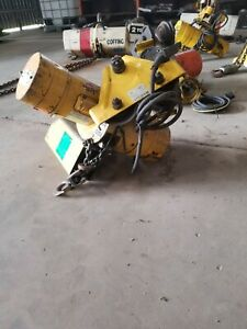 Budgit 1 2 Ton Chain Hoist Model 1158942 12 With Pendant Control And Trolley
