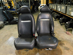 03 04 Ford Mustang Mach 1 Coupe Conv Dark Charcoal Leather Front Seats R67